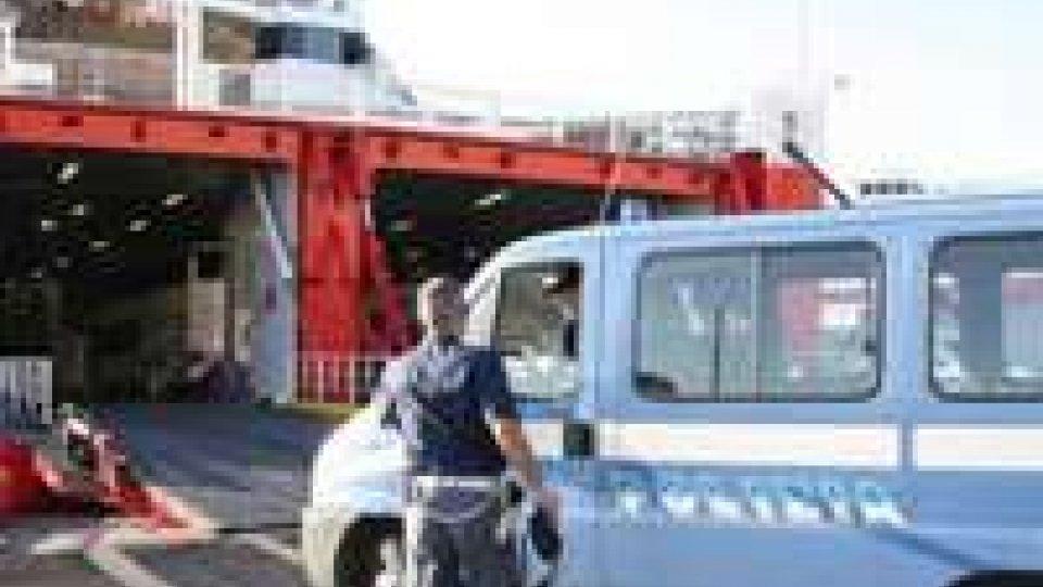 Tenta di rapire il figlio e portarlo in Iraq: fermato 38enne ad Ancona.