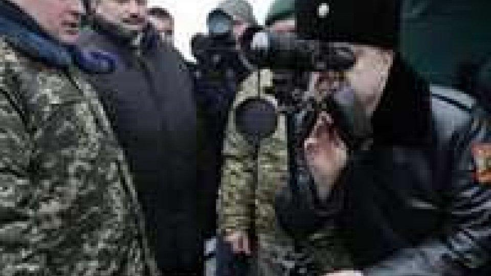 Ucraina: tiene la tregua: da mezzanotte non si spara