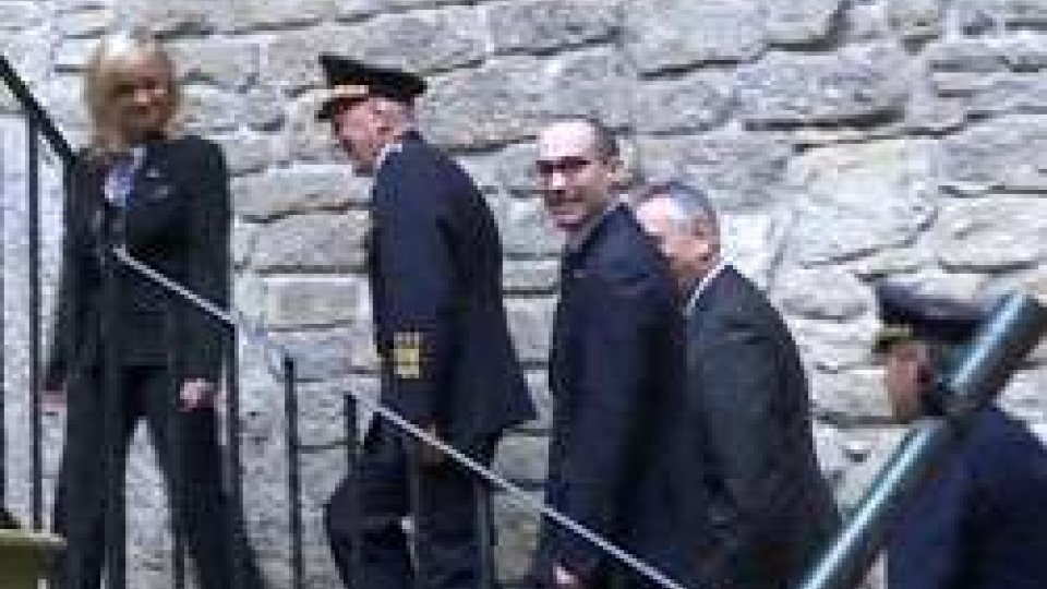 Capitani Reggenti in visita al quartier generale delle Milizie