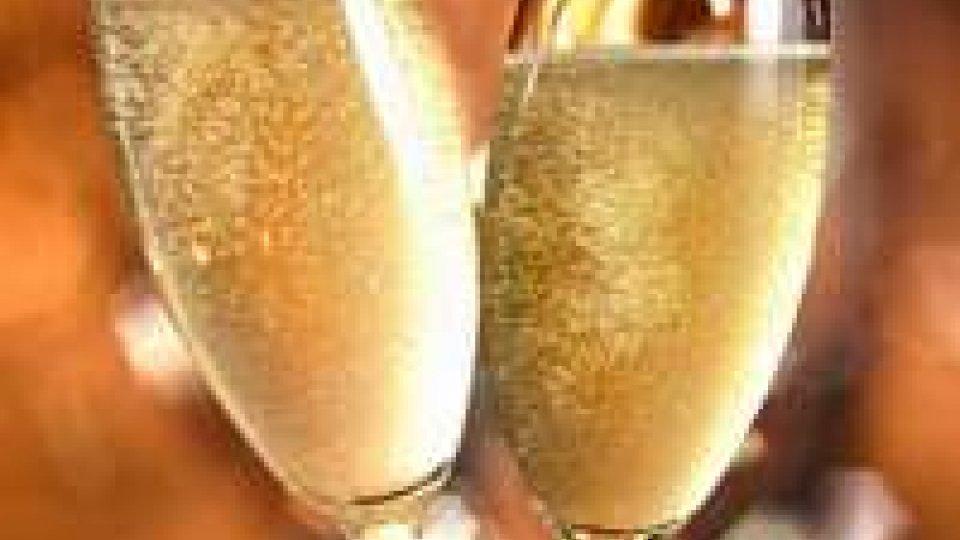 Capodanno: Coldiretti, 80 milioni tappi per festeggiare 2014