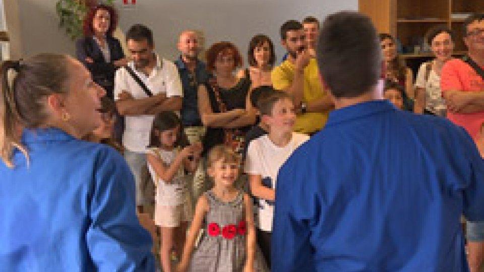 Di spalle Andrea Tamagnini e Aleksandra Di Capua