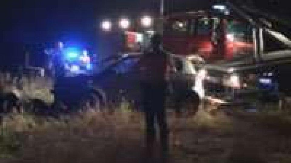 San Giovanni: auto fuori strada nella notte, individuata da sistema GPS