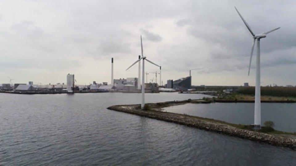 La corrispondenza di Elisabetta NorziA Dubai il parco solare più grande del mondo