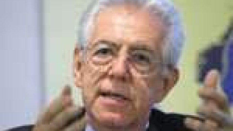 """Monti: """"Nessun taglio alle tredicesime"""""""