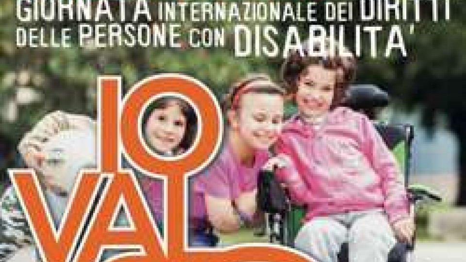"""Marcia nelle vie del centro per la """"Giornata Internazionale dei diritti delle persone con disabilità"""""""