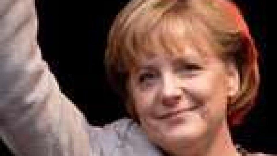 Crisi, Merkel su dati Standard & Poor's