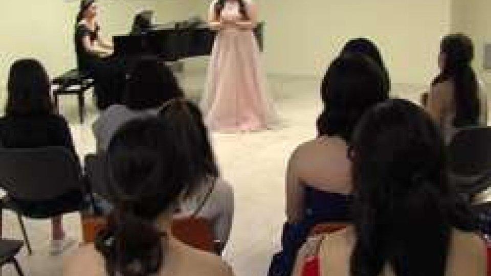 Maskfest: il concerto lirico delle giovani coreane apre la manifestazione [IMMAGINI]