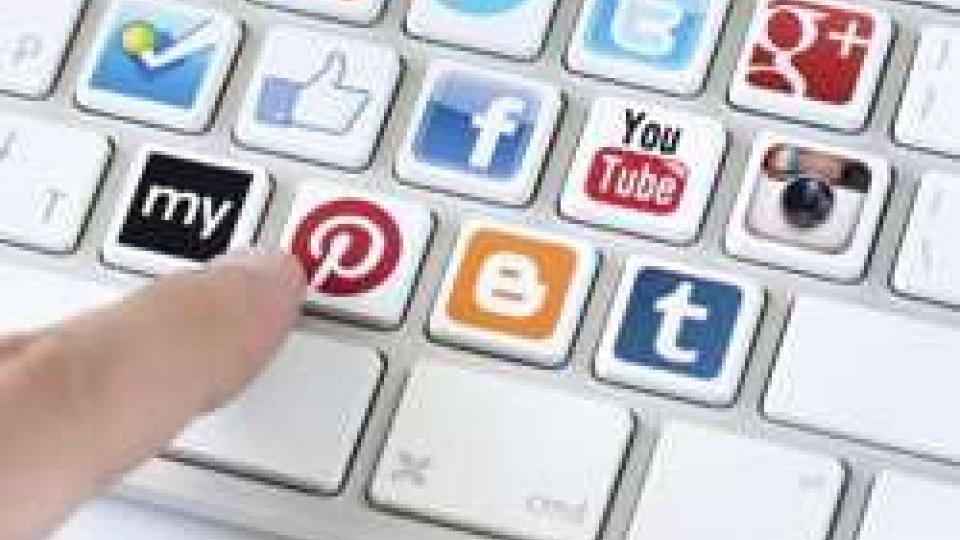 """Social Network, nel 2016 utenti stanchi. L'esperto: """"Abbiamo bisogno di qualcosa di più"""""""
