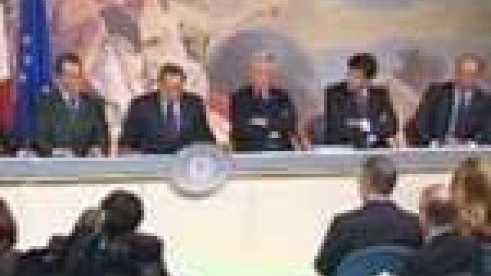 Oggi il Consiglio dei Ministri con le misure anticrisi. Tiene banco il caso Ruby