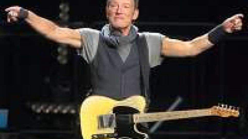 Springsteen omaggia Prince in concerto