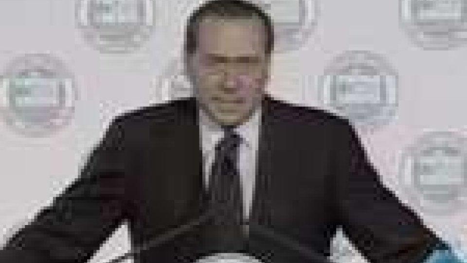 """Berlusconi offre al Fli il riconoscimento che oggi nel centrodestra esiste una """"diversa offerta politica""""Berlusconi offre al Fli il riconoscimento che oggi nel centrodestra esiste una """"diversa offerta politica"""""""