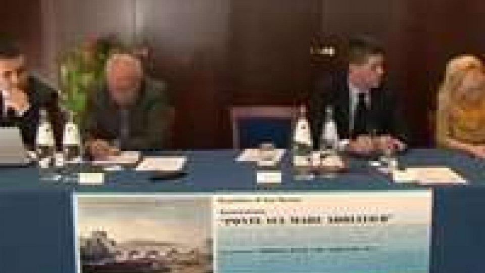 Incontro sull'immatricolazione di barche e aeromobili a San MarinoIncontro sull'immatricolazione di barche e aeromobili a San Marino