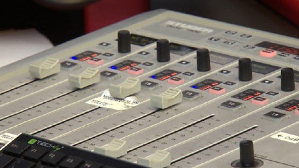 La Lega chiede di modificare i palinsesti musicali delle radioLa Lega chiede di modificare i palinsesti musicali delle radio: 1 canzone su 3 deve essere italiana