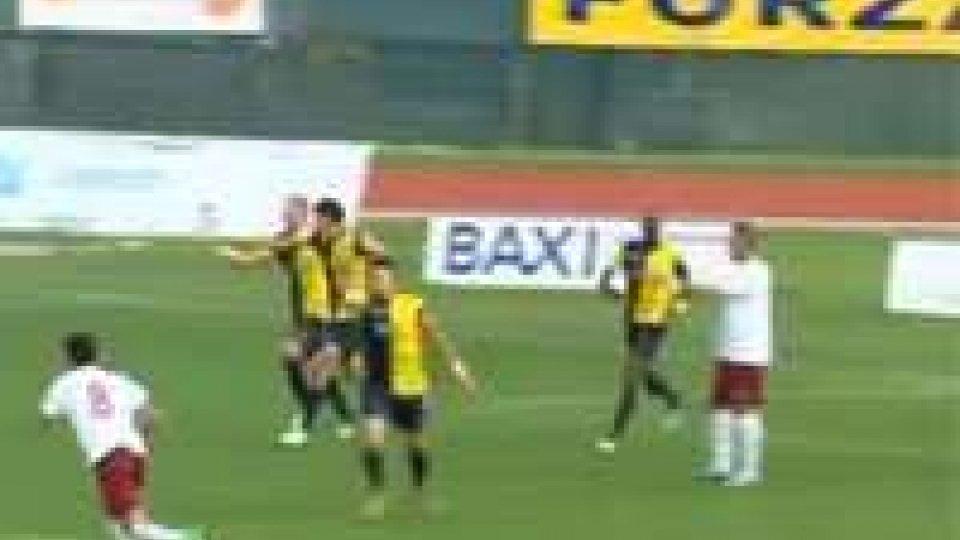 Anastasi festeggia il gol vittoria sul FanoSeconda Divisione