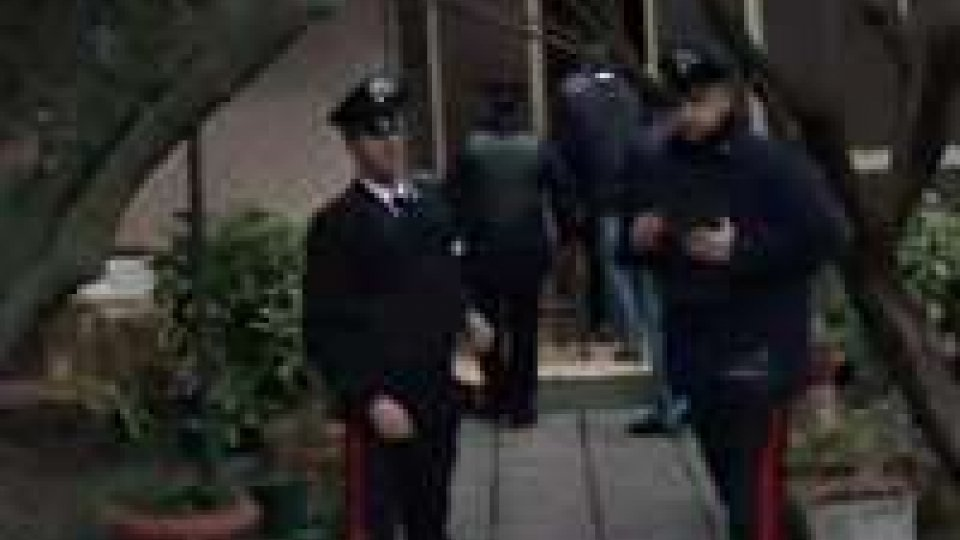 Rimini. Uomo barricato in casa armato: si arrende dopo due ore