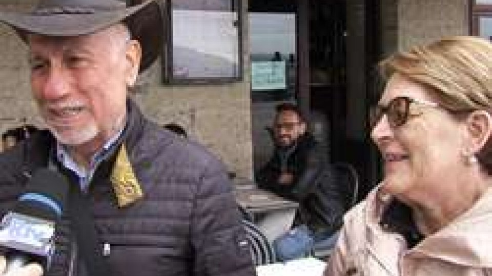 Turisti in centro storicoTurismo: buona affluenza in Città e commercianti soddisfatti, tra i visitatori c'è chi torna dopo 45 anni