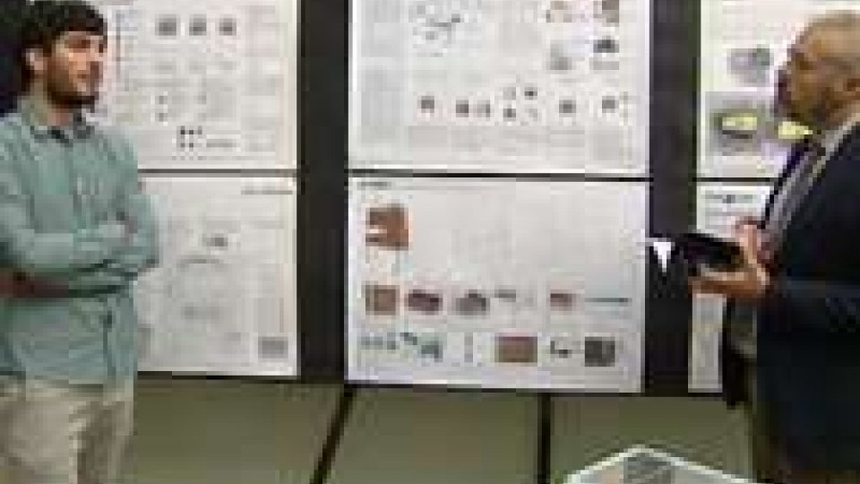 Discusse 17 tesi di laurea in Disegno Industriale