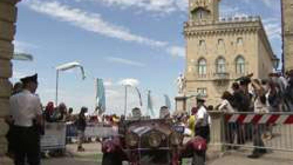 1000Miglia 2017: Oltre 400 auto storiche hanno sfilato sulle stradine del Centro Storico di San Marino