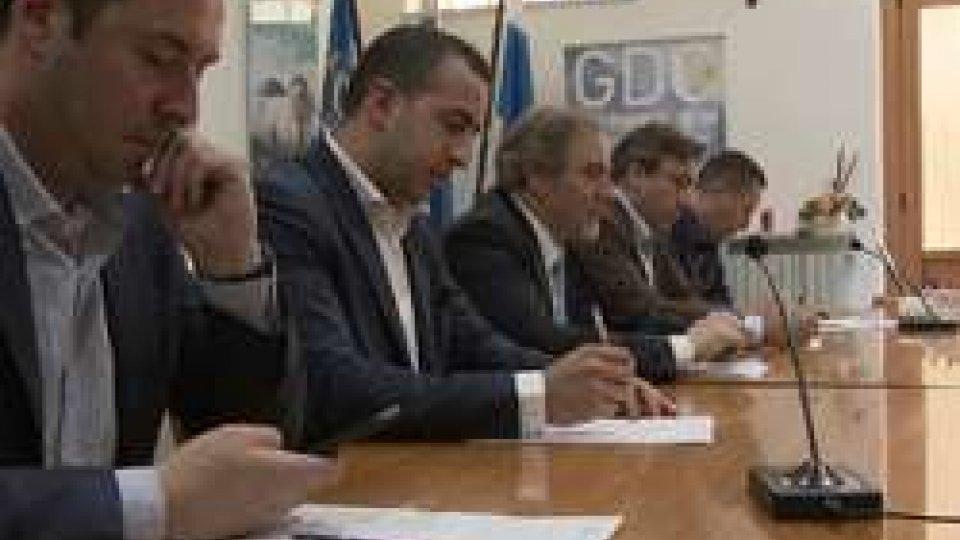 """Conferenza stampaPdcs: soluzioni alternative al debito estero, """"senza confronto pronti al referendum"""""""