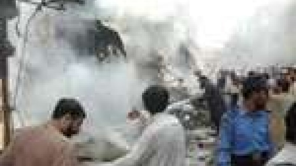 50 morti in un attentato in Pakistan