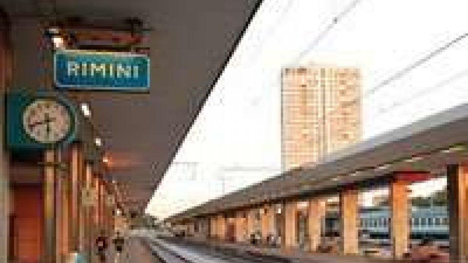 Carro merci esce dai binari, interrotta la linea Bologna-Rimini