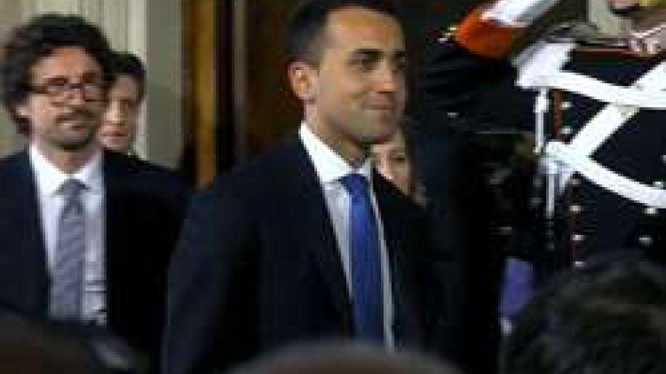 Italia, di Maio chiede voto anticipato, aria da resa dei conti nel PD