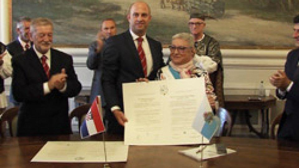 Rinnovato il gemellaggio nel cinquantennaleSan Marino-Arbe: firmata la Carta di Gemellaggio