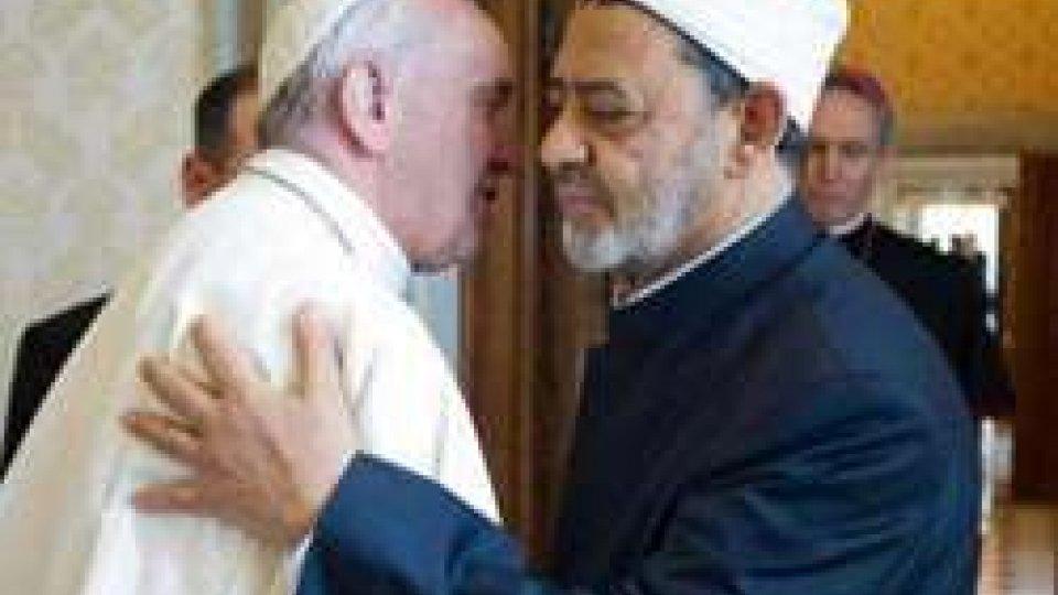 """Papa: storica visita di Francesco in Egitto. """"La violenza è la negazione di ogni religiosità""""Papa: storica visita di Francesco in Egitto. """"La violenza è la negazione di ogni religiosità"""""""