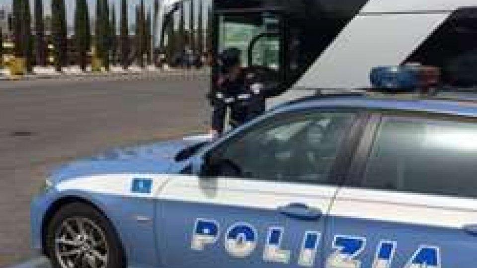 Gite scolastiche: controlli della Polizia di Pesaro sugli autobus