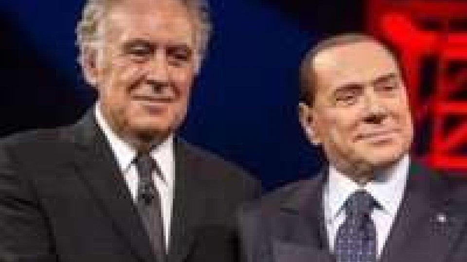 Duello show Berlusconi-Santoro, lite con Travaglio