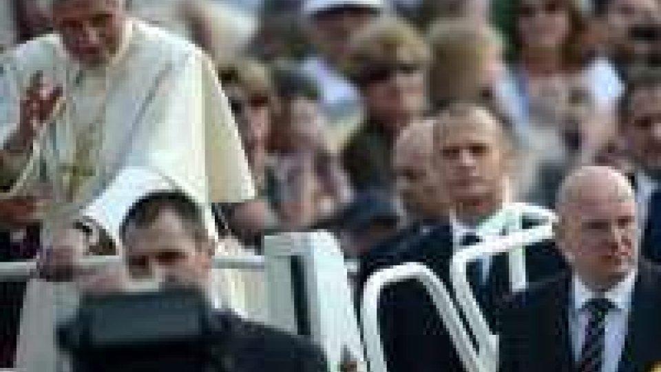 Il papa visita Loreto