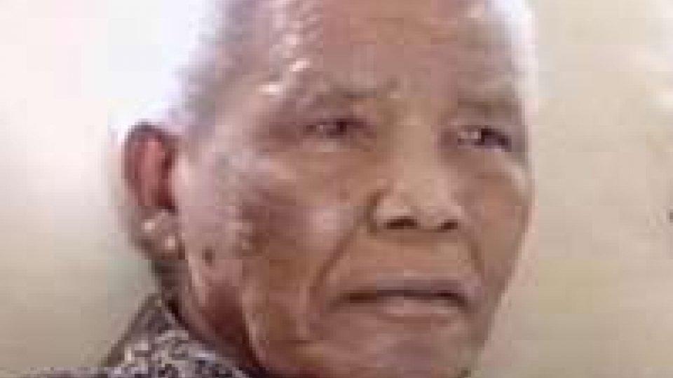 """Mandela, ex presidente: """"presto potrebbe tornare a casa"""""""