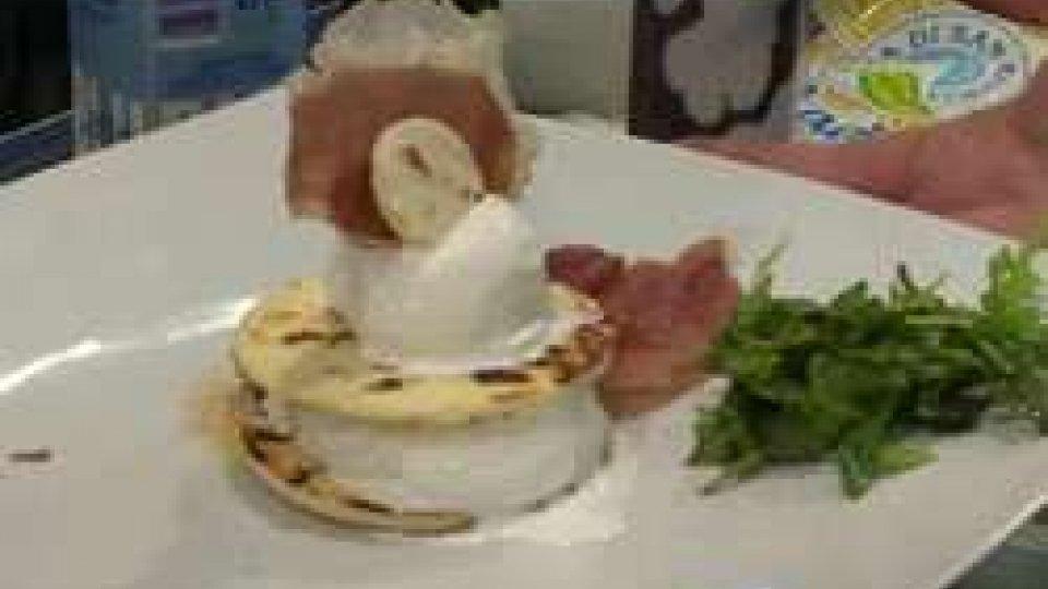 Casatella con piada, rucola e prosciutto crudo... gelatoSigep: showcooking con prodotti made in San Marino