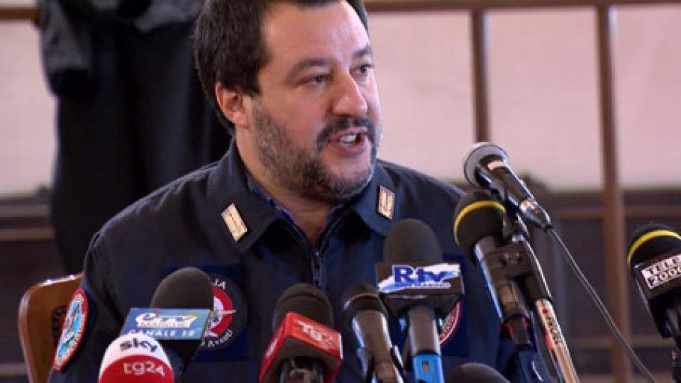 """Il vicepremier Salvini a PesaroDelitto di Natale: per il vicepremier Salvini è un """"segnale di debolezza"""""""