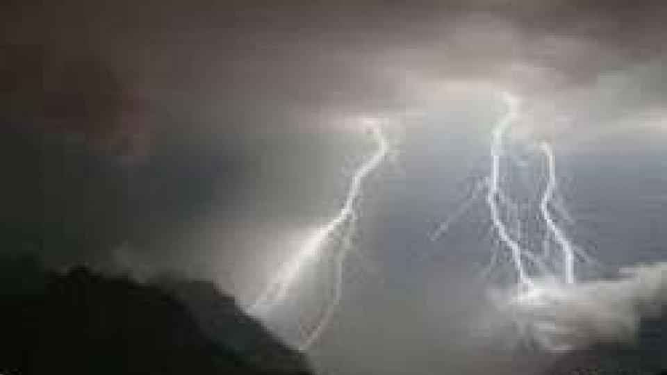 In arrivo ondata di maltempo. Temporali in Emilia Romagna, vento nelle Marche