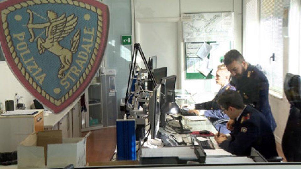 Rimini: arriva il bilancio della polizia stradaleRimini: arriva il bilancio della polizia stradale, cala il numero di incidenti