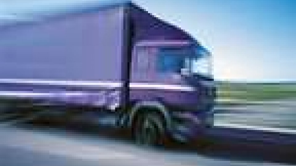 Camion rubato scoperto dai carabinieri di Riccione