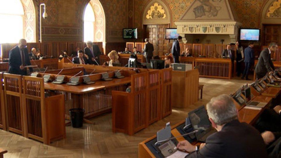 lavori parlamentariConsiglio: il clima si surriscalda sulle istanze (superate) a tema bancario