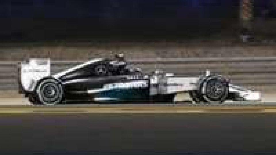 F1 Bahrain: pole a Mercedes di Rosberg, nono Alonso