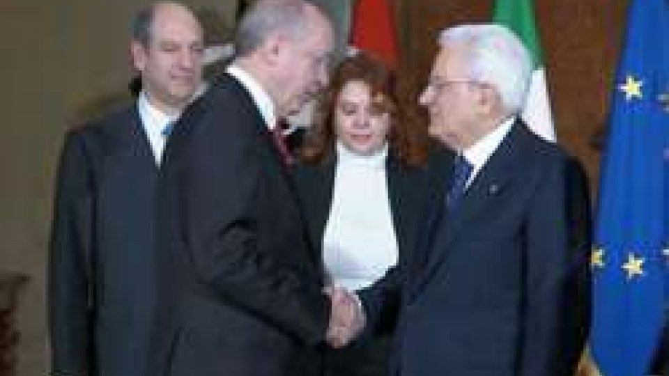 Erdogan e MattarellaLa visita di Erdogan in Italia: Roma blindata e a rischio proteste