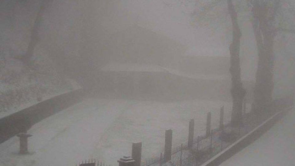 eremo CarpegnaMonte Carpegna: prima neve sull'Eremo