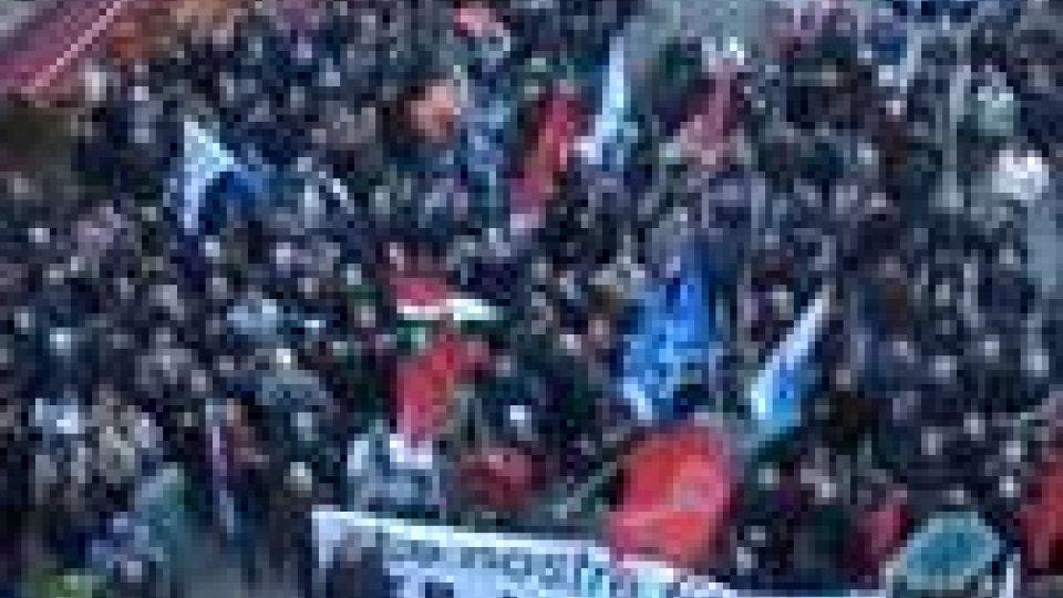 San Marino - Lavoratori in piazza per contrastare la finanziaria