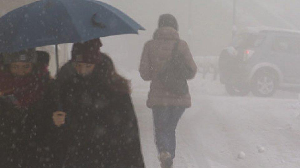 la neve in CittàNeve: dal pomeriggio diminuzione delle precipitazioni ma attenti al rischio gelate