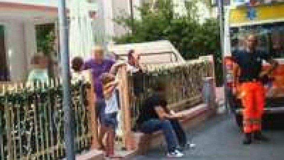 Rimini: sequestrano, picchiano e minacciano. E' il racket delle elemosineRimini: sequestrano, picchiano e minacciano. E' il racket delle elemosine