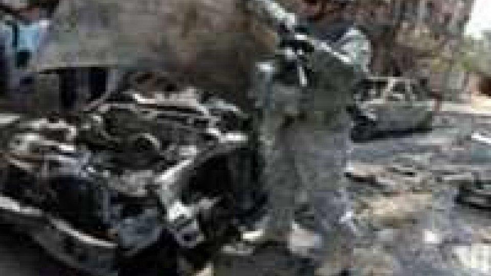 Iraq: autobomba contro polizia, morti e feriti