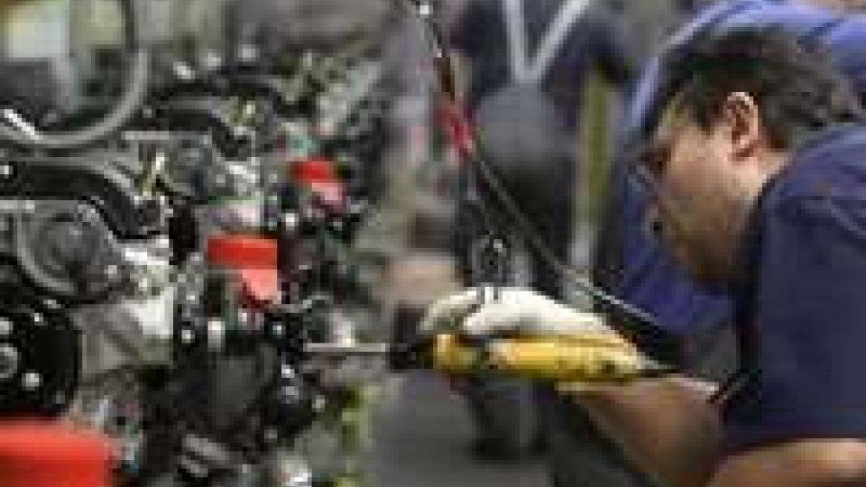 Istat: fatturato industria ancora in calo