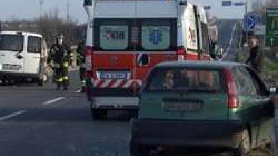 Incidente sulla SS16: pesanti rallentamenti al traffico