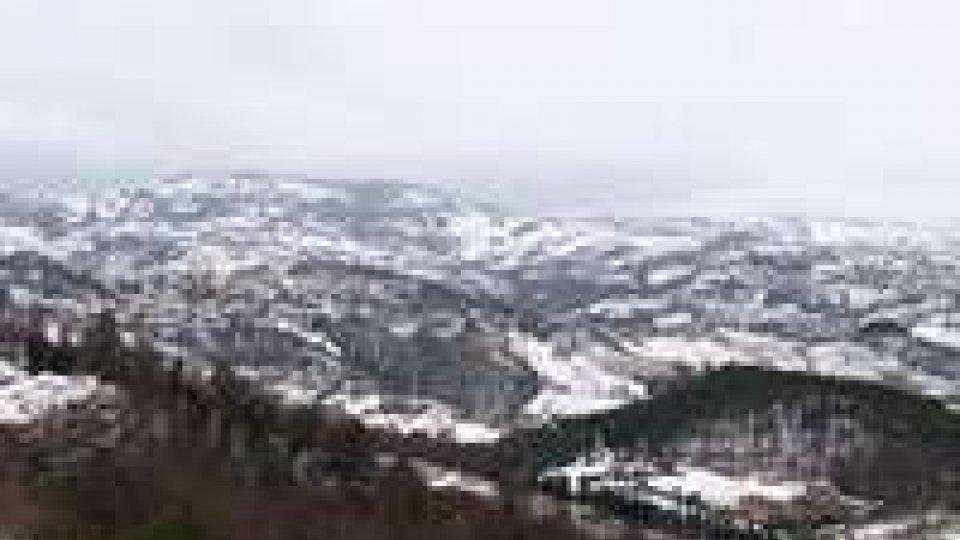 Maltempo, freddo e neve in tutta Italia: chiuse anche alcune scuole