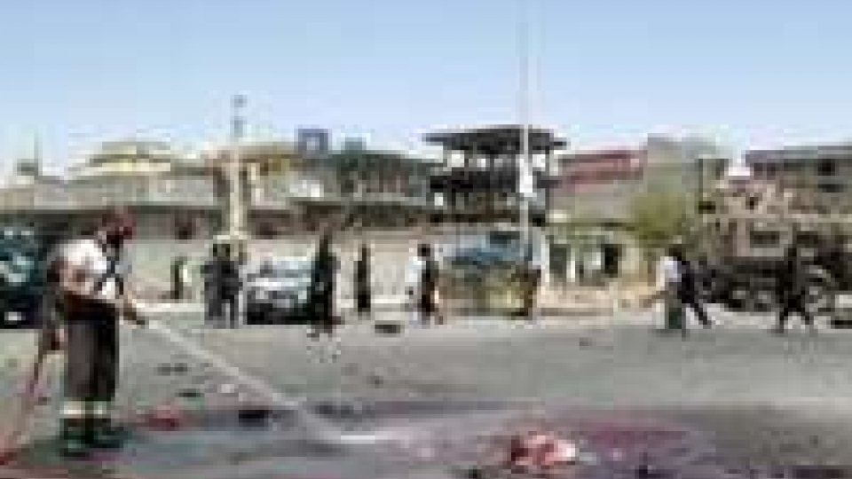 Afghanistan: attacco a base polacca, 15 morti