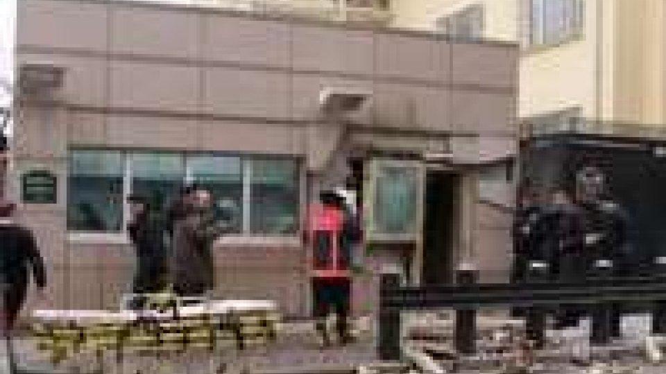 Ankara, kamikaze davanti all'ambasciata Usa